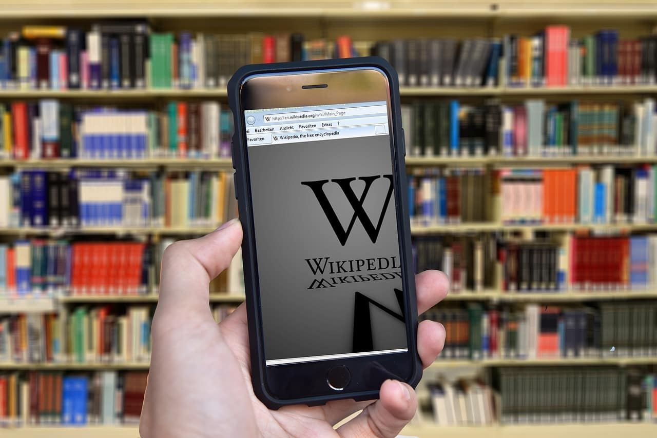 Czy warto korzystać z Wikipedii